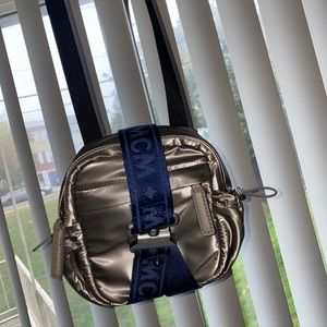 MCM crossbody bad barely worn w/ authenticity card